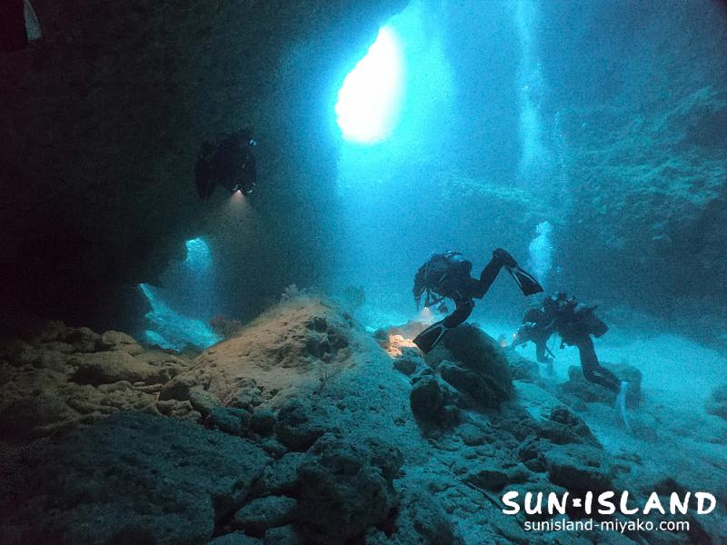 下地島ダイビングスポット『女王の部屋』