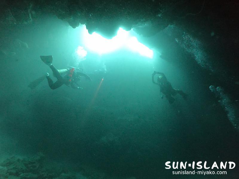 伊良部島ダイビングスポット『クロスホール』