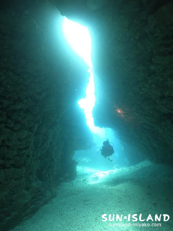 下地島ダイビングスポット「ツインケーブ」