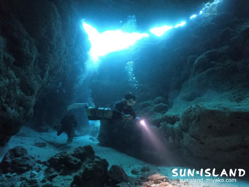 下地島ダイビングスポット「なるほどザ・ケーブ」