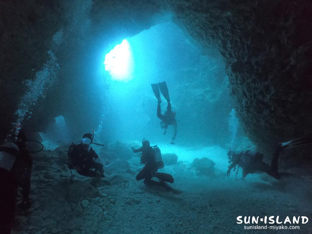 下地島ダイビングスポット「女王の部屋」