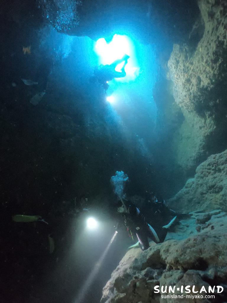 中の島ホールの縦穴
